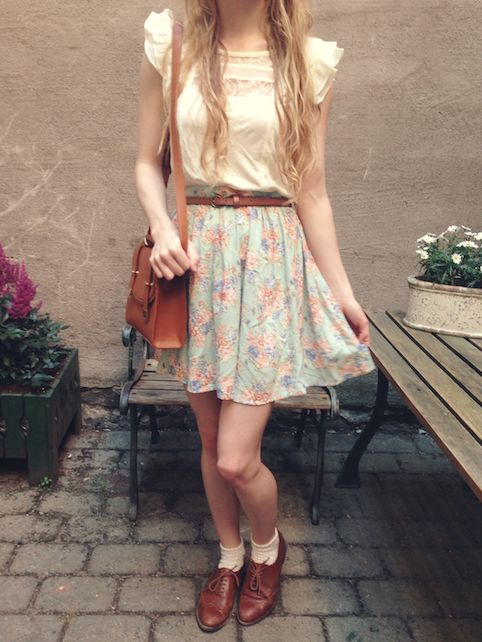 Picture Of chic retro outfit ideas that every girl will like 22