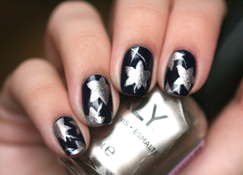 Picture Of christmas worthy diy starry nail design  3