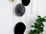clever-and-creative-diy-hanging-rack-for-your-hats-2