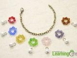 colorful-diy-beaded-flower-charm-bracelet-4