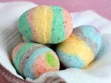 colorful-diy-easter-egg-bath-bombs-2