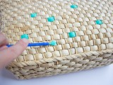 colorful-diy-painted-straw-tote-bags-4