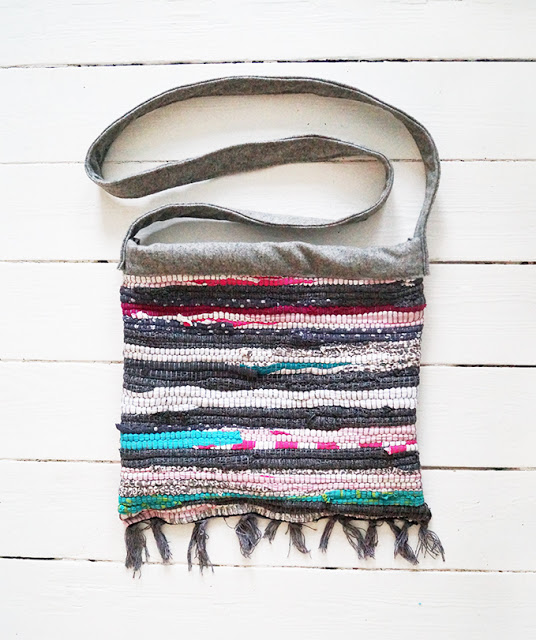 Picture Of colorful diy striped rag rug bag  9