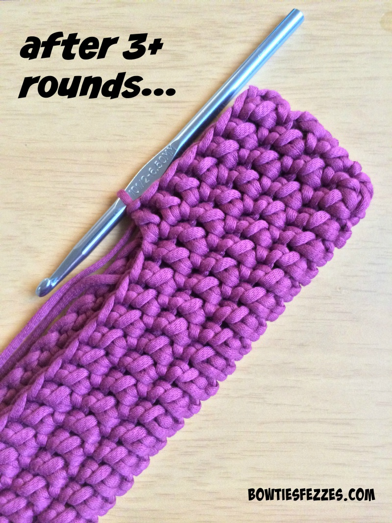 Picture Of comfy accent diy crocheted oval clutch  5