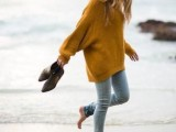 comfy-and-cozy-oversized-sweater-outfits-for-fall-1