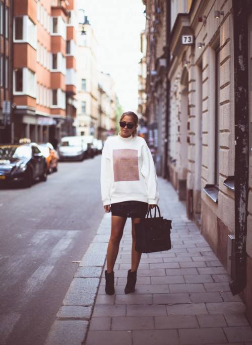 Comfy And Cozy Oversized Sweater Outfits For Fall