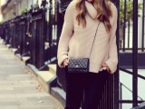 comfy-and-cozy-oversized-sweater-outfits-for-fall-13
