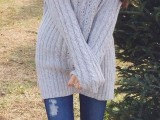 comfy-and-cozy-oversized-sweater-outfits-for-fall-15