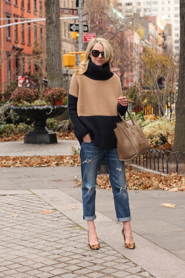 Picture Of comfy and cozy oversized sweater outfits for fall  9