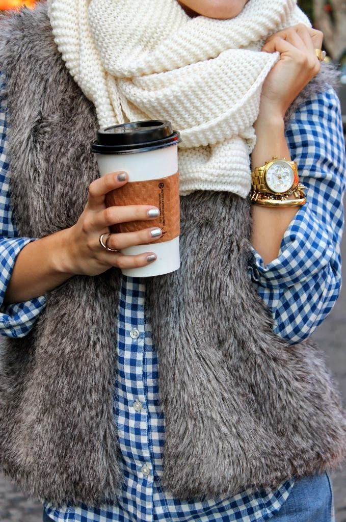 Picture Of comfy and cozy winter holiday looks  20