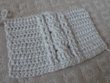comfy-diy-cable-knit-wrist-warmers-4