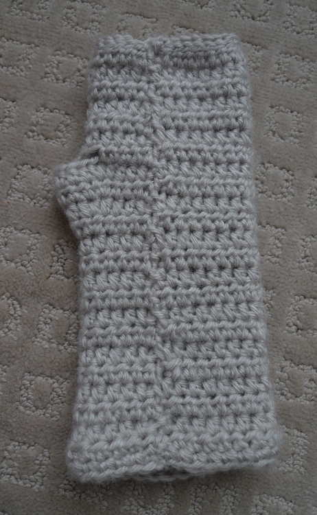 Picture Of comfy diy cable knit wrist warmers  6