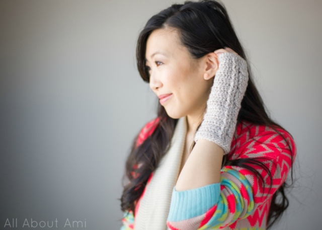 Picture Of comfy diy cable knit wrist warmers  8