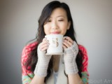 comfy-diy-cable-knit-wrist-warmers-9