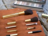 convenient-and-easy-diy-leather-makeup-brush-holder-2