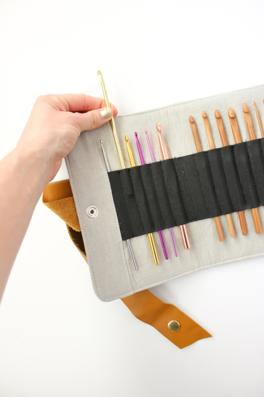 Picture Of convenient diy crochet hook case to make  2