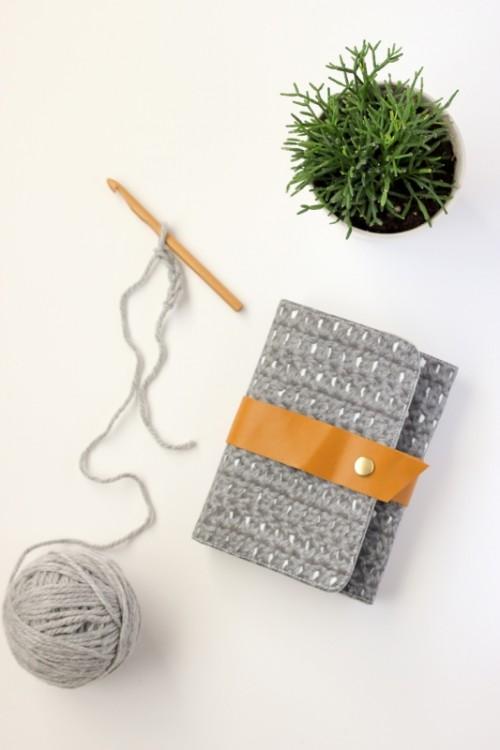 Convenient DIY Crochet Hook Case To Make