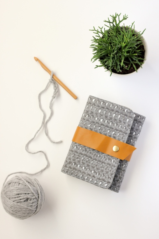 Picture Of convenient diy crochet hook case to make  3