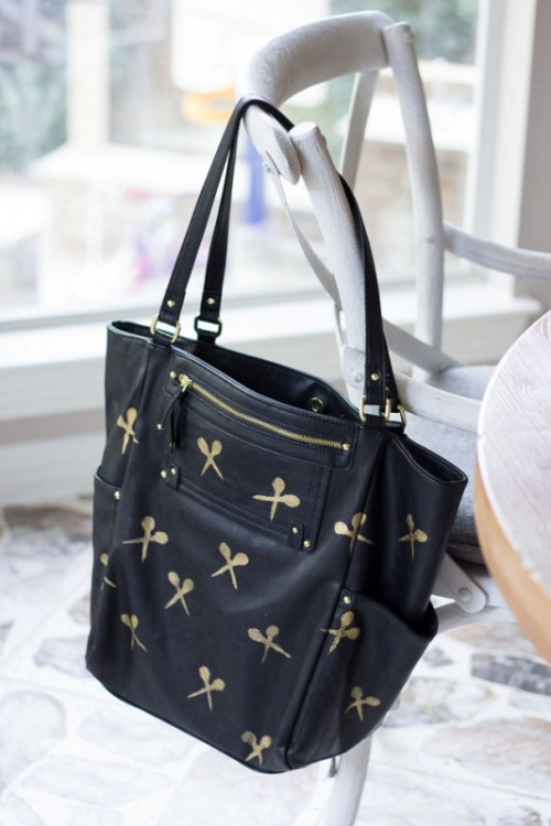 Cool And Easy Way To Personalize And Adorn Your Tote Bag
