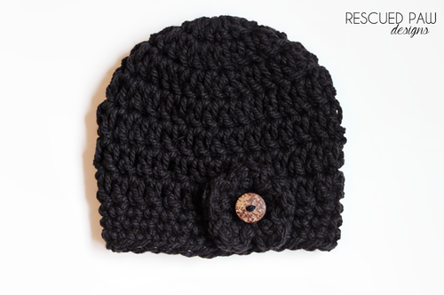 chunky crochet black button hat (via rescuedpaw)