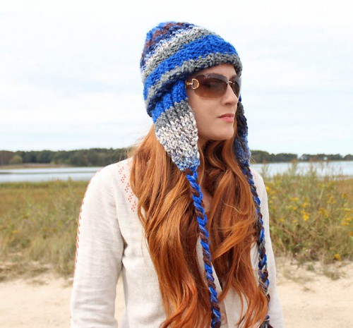 ear flap knit beanie (via gina-michele)