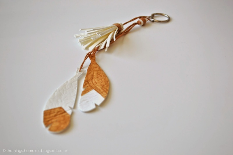 Picture Of cool diy featherand tassel keyring  1
