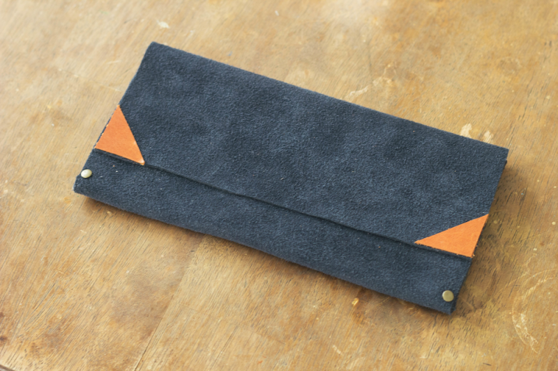 Picture Of cool diy no sew clutch of leather  5