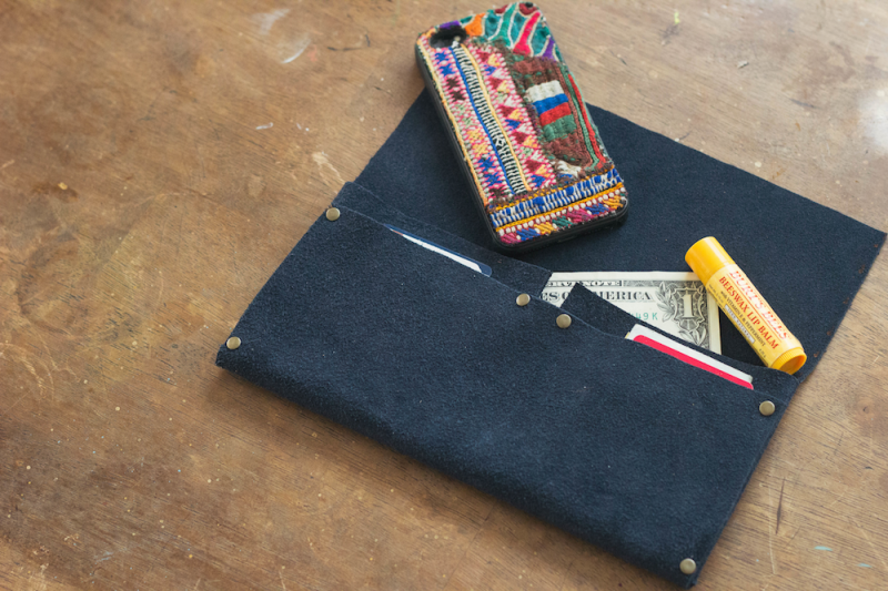 Picture Of cool diy no sew clutch of leather  6