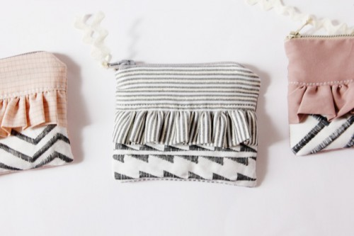 ruffle zipper pouch (via seekatesew)