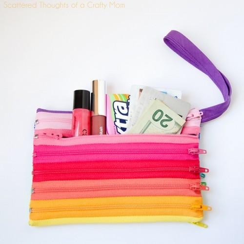 rainbow zipper pouch (via scatteredthoughtsofacraftymom)