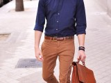 cool-men-work-putfits-with-sneakers-13