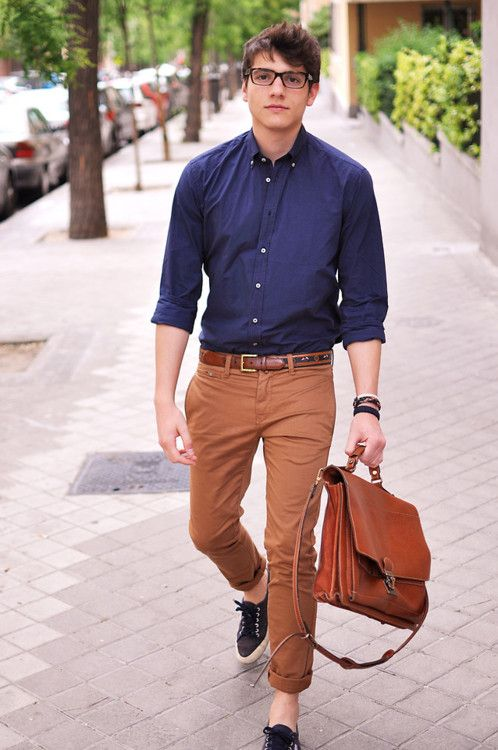 Cool men work putfits with sneakers 13 Styleoholic