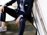 cool-men-work-putfits-with-sneakers-7