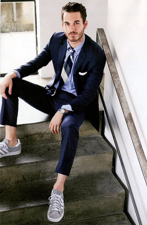 Cool men work putfits with sneakers 7 Styleoholic