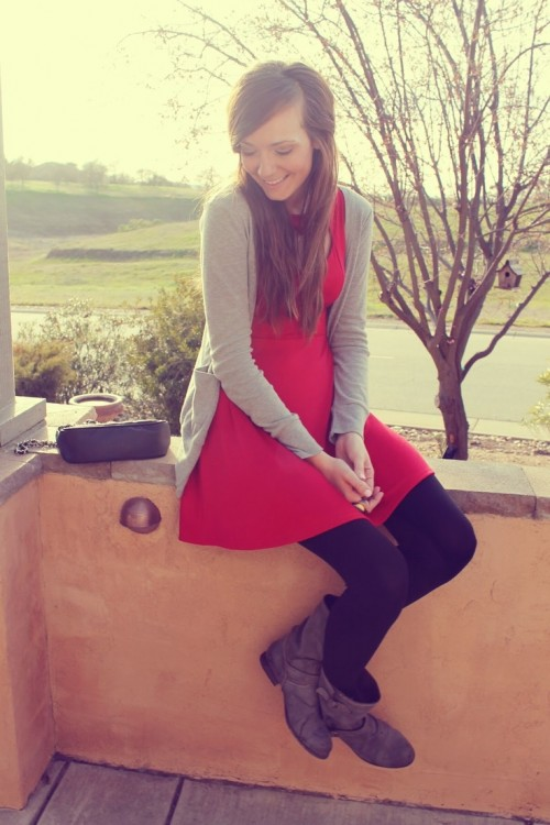 Cool Red and Grey Work Outfits To Get Inspired