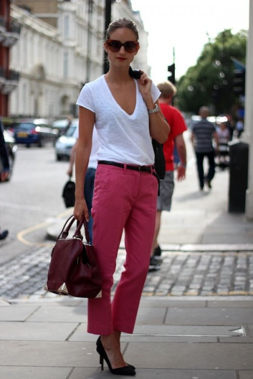 a wihte top, fuchsia pants, black shoes and a burgundy bag for a bold summer look