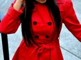 a short red double-breasted trench with black buttons is a bold touch of color to your spring outfits and a comfortable clothes piece