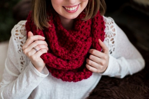 Cozy DIY Chunky Crochet Infinity Scarf To Make