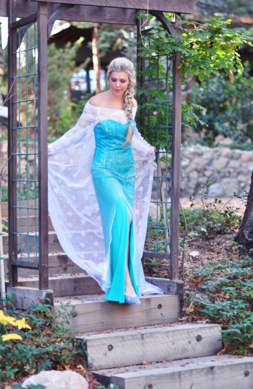 Frozen Elsa costume (via lovemaegan)