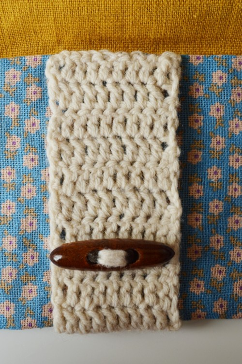 Cute And Cozy DIY Clutch With Crochet Band