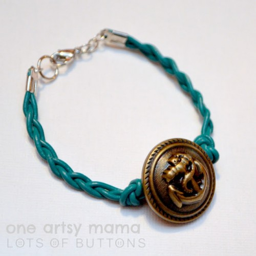 braided anchor bracelet (via oneartsymama)