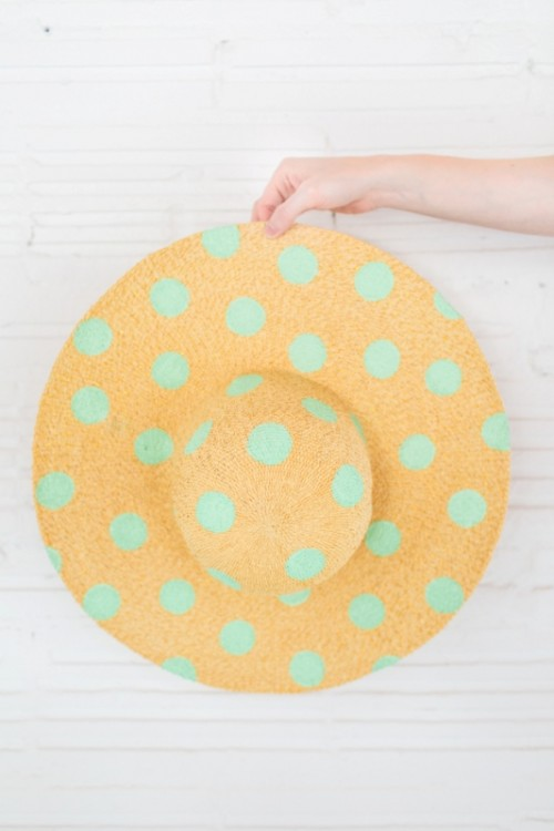 Cute DIY Polka Dot Floppy Hat For Beach