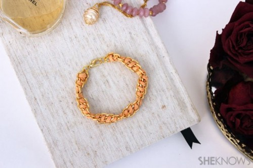 Cute DIY Spiral Chain And Suede Bracelet