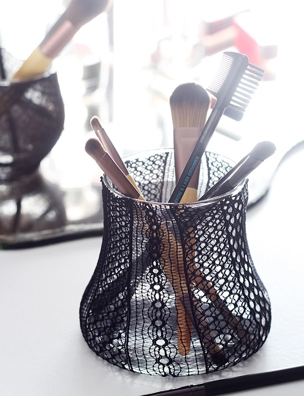 Picture Of cute lace diy makeup brush holder  1