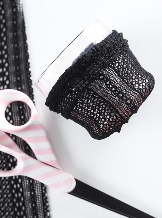 Picture Of cute lace diy makeup brush holder  3