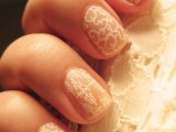 delicate-diy-nude-lace-nails-1