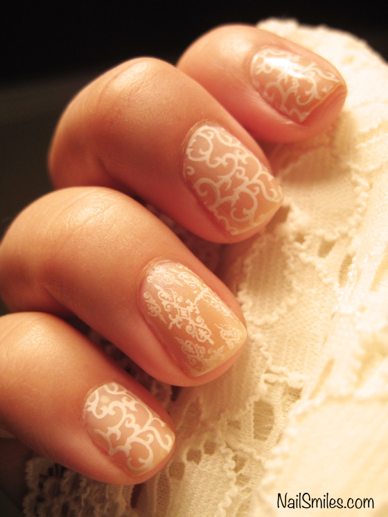 Picture Of delicate diy nude lace nails  1