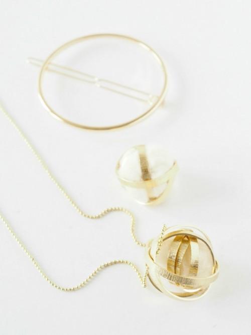 Delicate DIY Wire Felt Bead Necklace