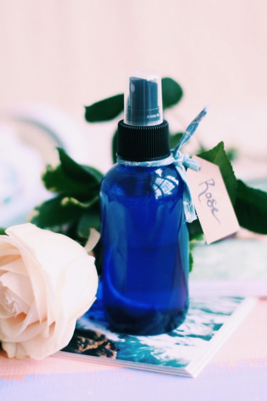 Picture Of delicate hydrating diy rose water spray  3