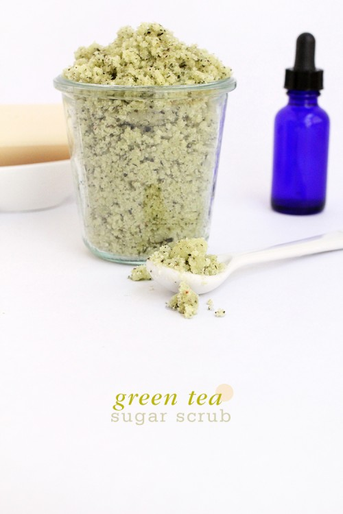 green tea and sugar body scrub (via shelterness)